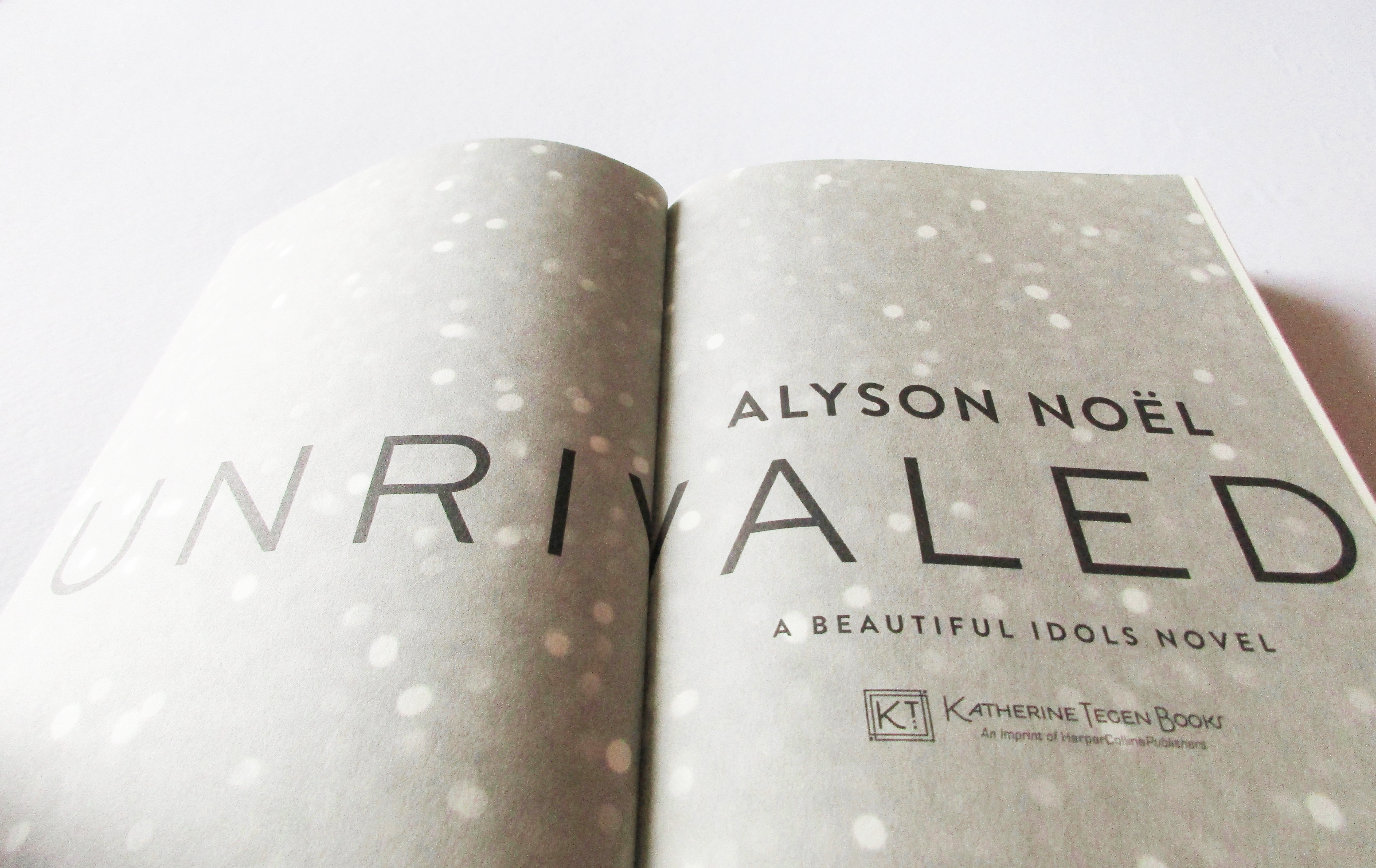 Flaunt Reads: Unrivaled by Alyson Noël
